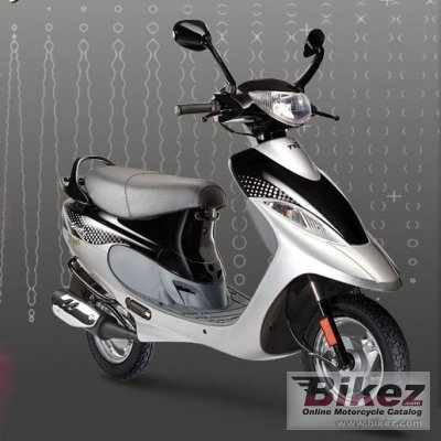 2008 TVS Scooty photo